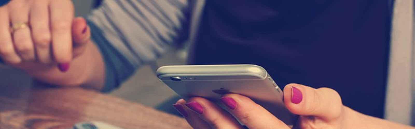 Business Phone Setups: IP Phones, Mobile Phones, or Both?