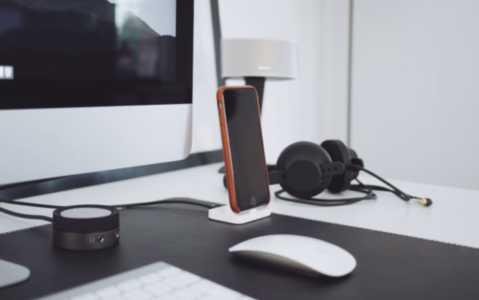 VoIP Softphones vs IP Phones