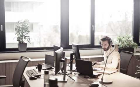 10 VoIP Features to Improve Your Customer Service Calls