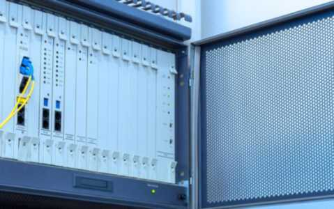 Hosted PBX vs SIP Trunking - What's the Difference?